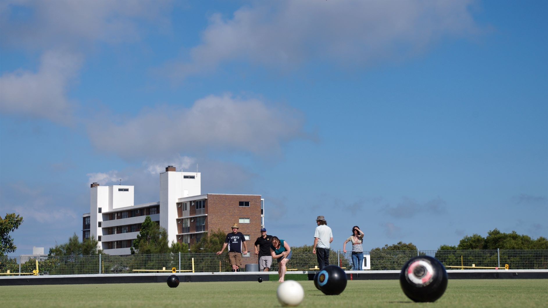 BBQ Brekky, Bowls & Cricket – Not a Beach: 30 October 2011